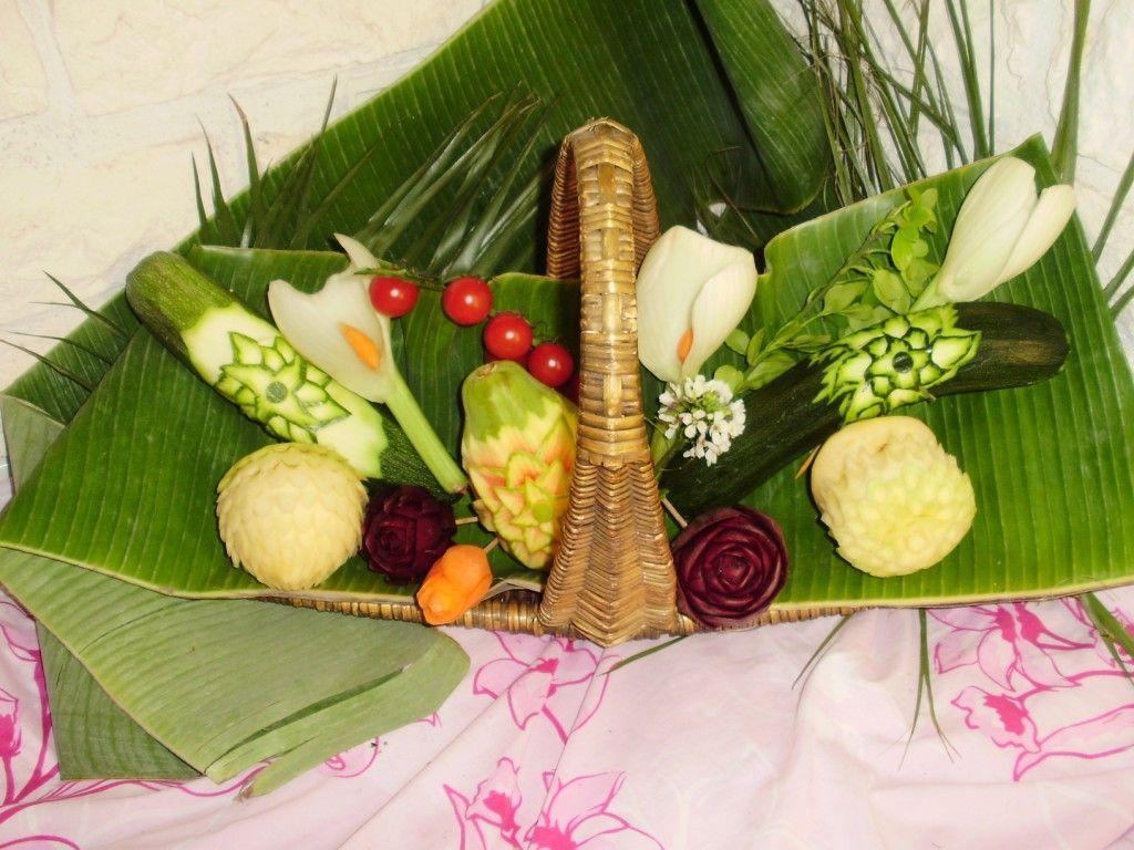 Sculture sur legumes - Composition florale avec fruits legumes ...